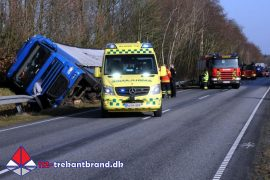 18. Feb. 2019 – Lastbil Kørte I Grøften Og Væltede På Koldingvej Ved Vamdrup.