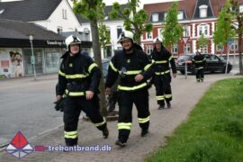 3. Jun. 2021 – Brandmænd på byvandring i Vamdrup.